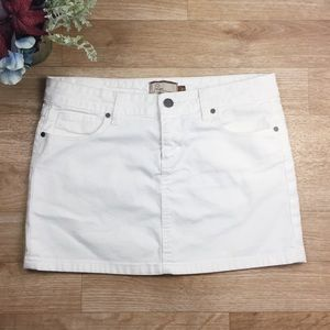 Paige Jeans White Denim Mini Skirt W/ Pockets. B1